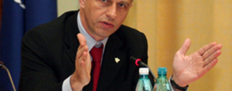 Mircea Geoana construieste un alt partid