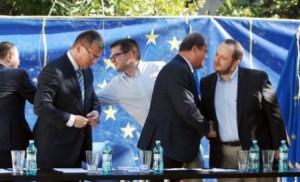 manifestul-aliantei-politice-formate-in-jurul-pdl-a-fost-semnat-165257[1]